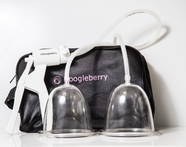 Noogleberry Breast Pump With Medium Cups